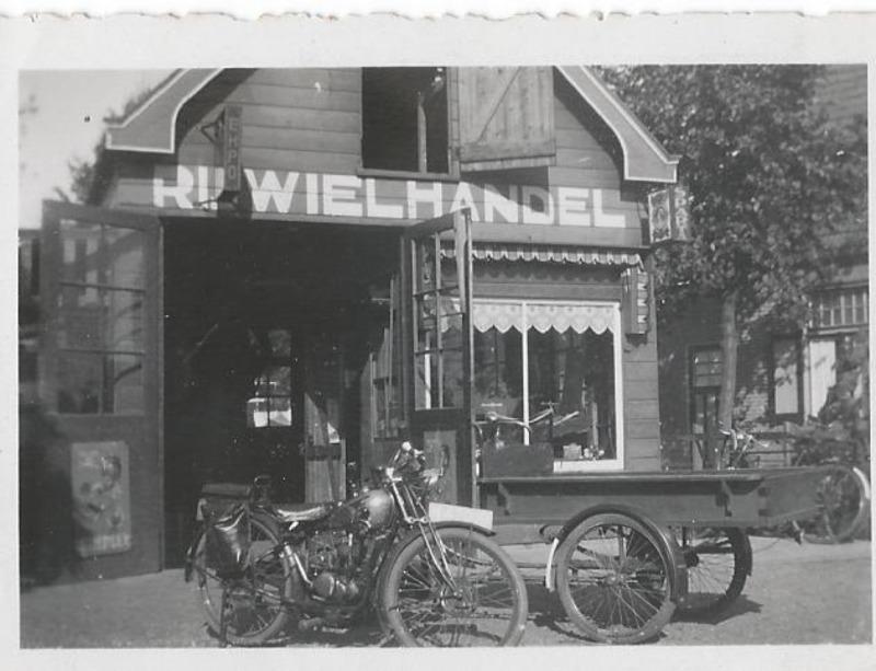 Bessels Tweewielers Fietsenspeciaalzaak - Foto's