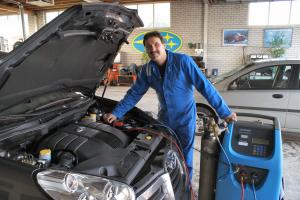 Autobedrijf en Subaru Dealer Van der Ploeg BV - Foto's