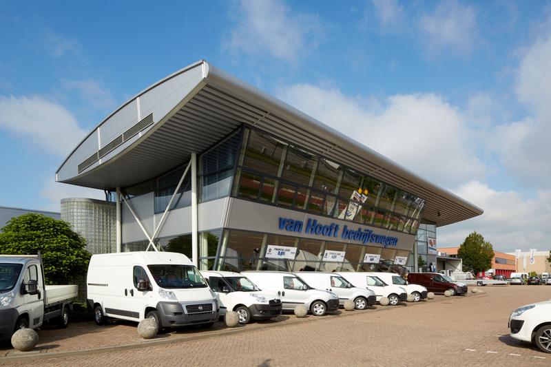 Hooft bedrijfswagen BV van - Foto's