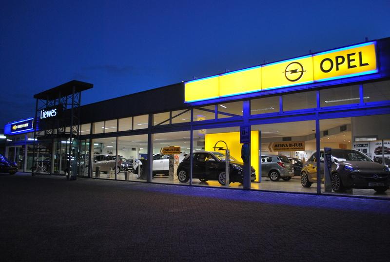 Opel & Chevrolet Dealer Liewes Roden - Foto's