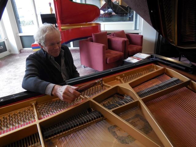 Piano's Vleugels Reijnen BV - Foto's