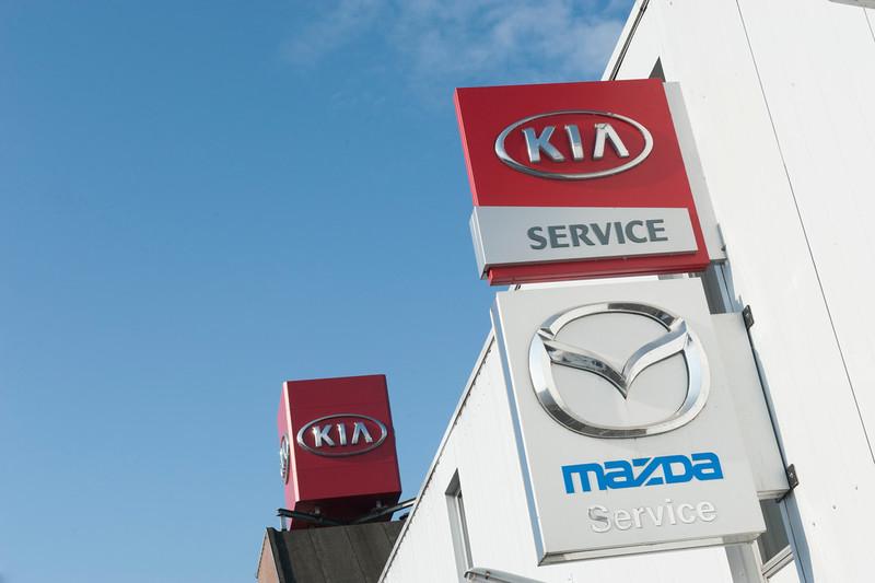KIA MAZDA en SAAB Dealer Leerentveld - Foto's