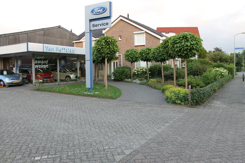 Huffelen Ford-dealer Van - Foto's