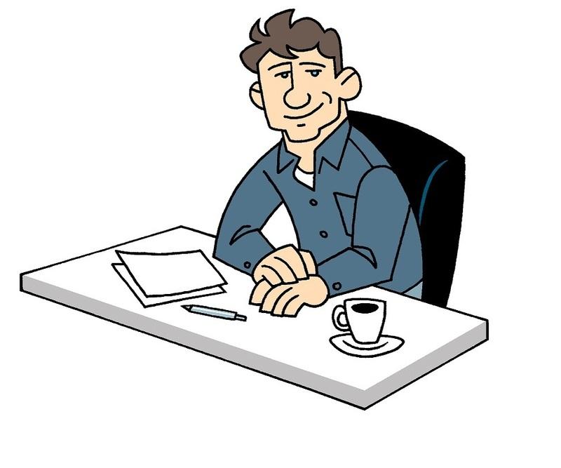 Man aan bureau