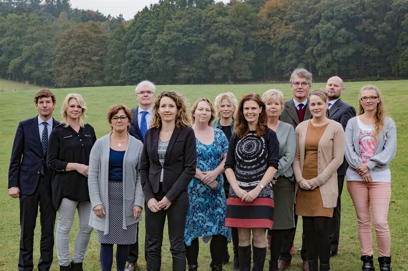 Mostart   timmermans notarissen   groepsfoto